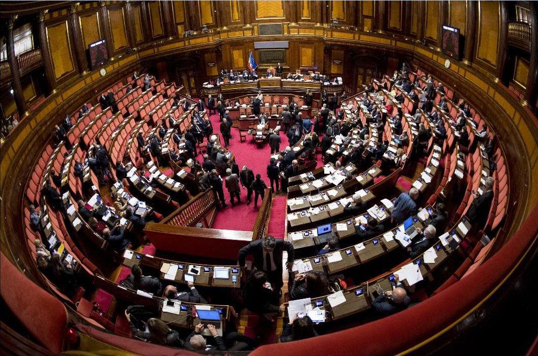 Legge di Bilancio, sì alla fiducia in Senato. Gentiloni: Spinta alla crescita