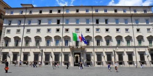 Italia: sì al Decreto Dignità
