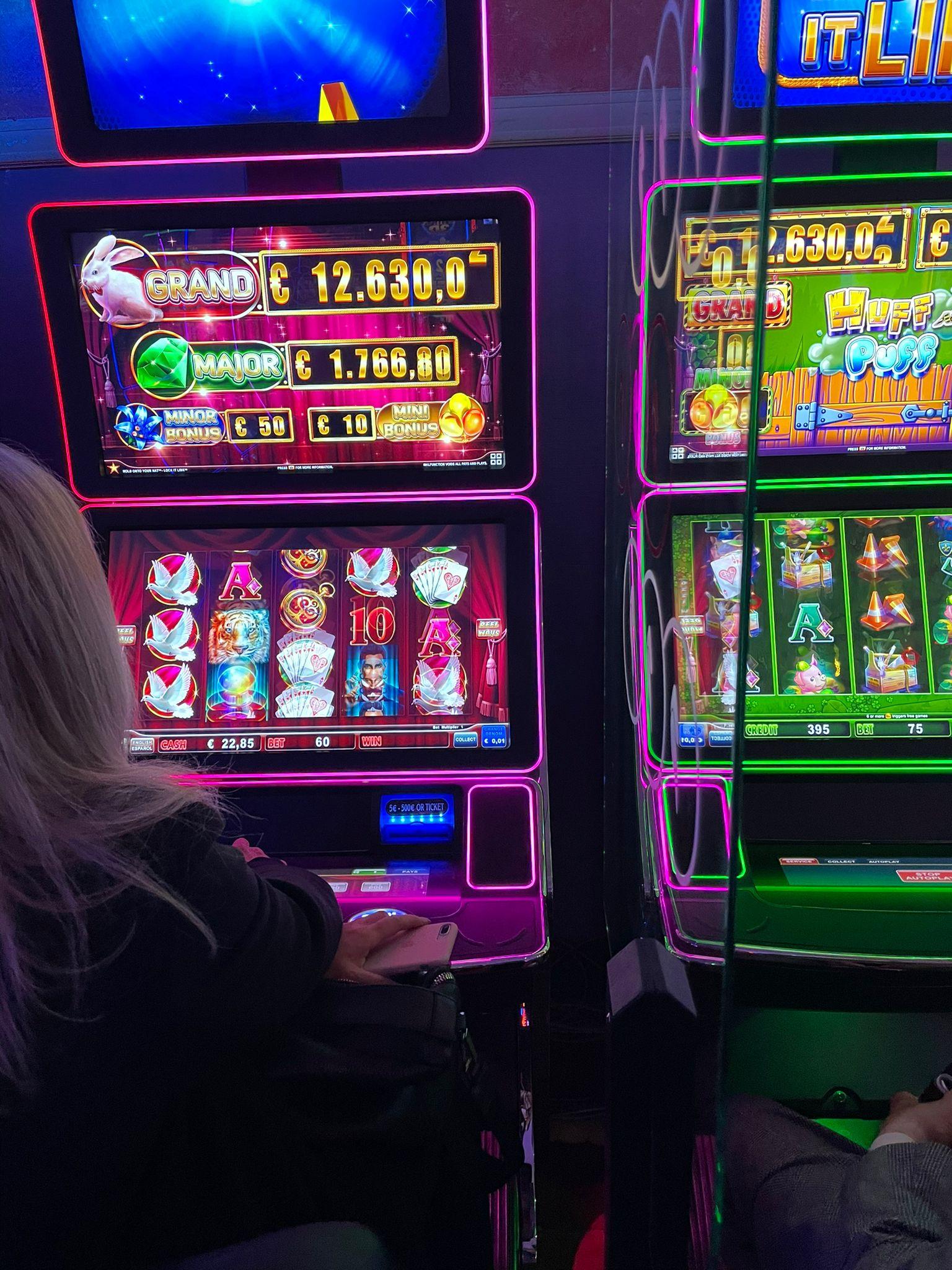 San Marino casino del Titano slot divisori